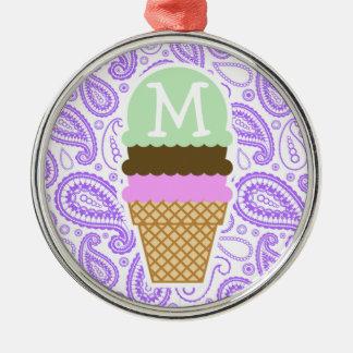 Modelo púrpura de Paisley; Cono de helado Adorno Redondo Plateado