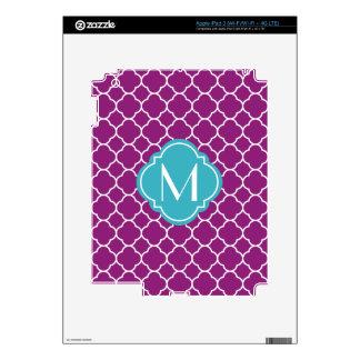 Modelo púrpura de Quatrefoil con el monograma iPad 3 Pegatinas Skins