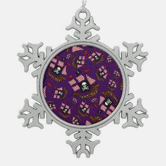 Modelo púrpura del barco pirata adorno de peltre en forma de copo de nieve