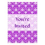 Modelo púrpura del damasco con blanco anuncios personalizados