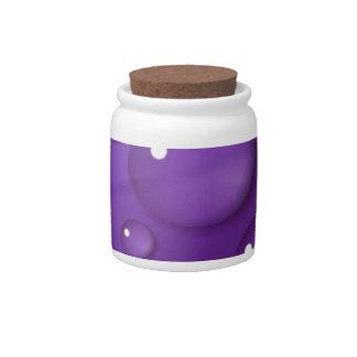 Modelo púrpura del descenso del agua plato para caramelo