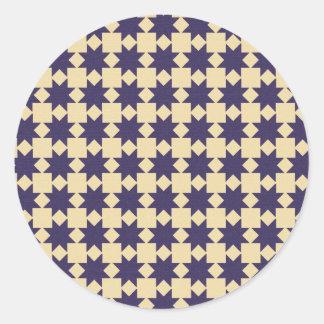 Modelo púrpura del edredón pegatina redonda