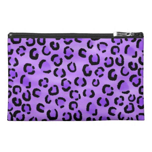 Modelo púrpura del estampado leopardo