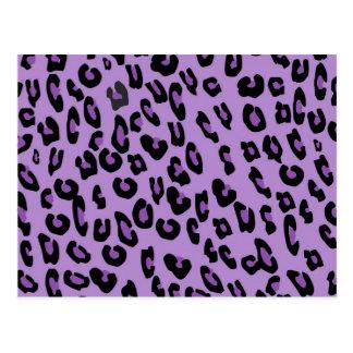 Modelo púrpura del estampado leopardo tarjeta postal