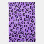 Modelo púrpura del estampado leopardo toalla