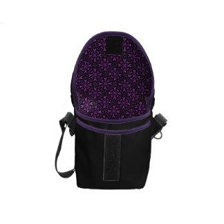 Modelo púrpura del fractal de Victorain Bolsas De Mensajería