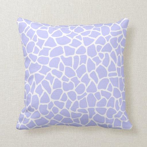 Modelo púrpura en colores pastel de la jirafa del  almohada