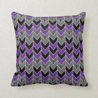 Modelo púrpura, gris y negro de la flecha cojín decorativo