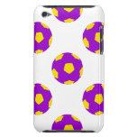 Modelo púrpura y amarillo del balón de fútbol iPod Case-Mate carcasa