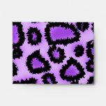 Modelo púrpura y negro del estampado leopardo