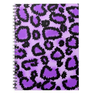 Modelo púrpura y negro del estampado leopardo libro de apuntes con espiral