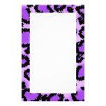 Modelo púrpura y negro del estampado leopardo papelería personalizada