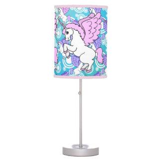 Modelo púrpura y rosado del unicornio lámpara de escritorio