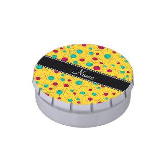 Modelo que hace punto amarillo conocido frascos de caramelos