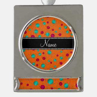 Modelo que hace punto anaranjado conocido adornos personalizables