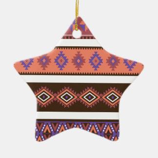 Modelo que hace punto moderno hermoso en los adorno de cerámica en forma de estrella