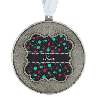 Modelo que hace punto negro conocido personalizado adorno de navidad festoneado de peltre