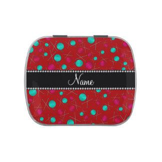Modelo que hace punto rojo conocido personalizado latas de caramelos