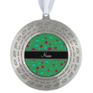 Modelo que hace punto verde conocido personalizado adorno de navidad redondo de peltre