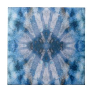 Modelo radial blanco azul del punto de los rayos d