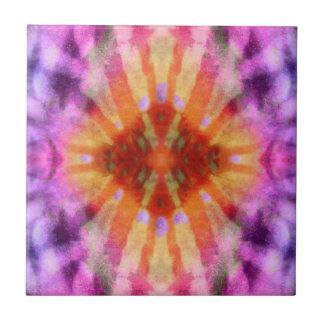 Modelo radial púrpura anaranjado del punto de los