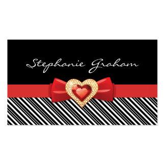 Modelo rayado blanco negro con el arco y la joya tarjetas de visita