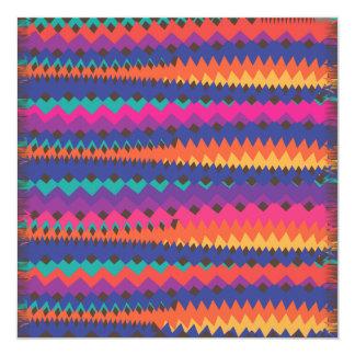 Modelo rayado colorido del zigzag tribal latino comunicados personales