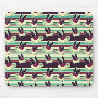 Modelo rayado de tortugas coas alas negro mouse pad