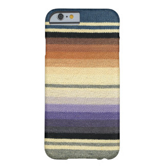 Modelo rayado del arco iris retro elegante, funda barely there iPhone 6