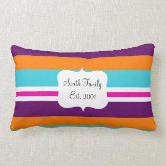 Modelo rayado púrpura anaranjado del trullo del cojín