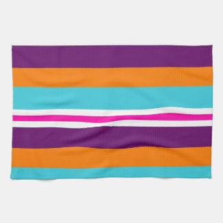 Modelo rayado púrpura anaranjado del trullo del ro toallas