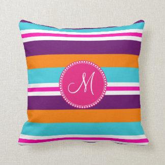 Modelo rayado púrpura anaranjado del trullo rosado cojín