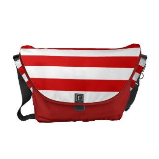 Modelo rayado rojo y blanco bolsas de mensajería