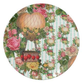 Modelo repetido globo en forma de corazón del aire plato de comida