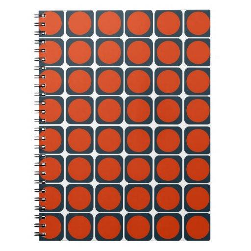 modelo retro 70s en anaranjado y azul cuadernos