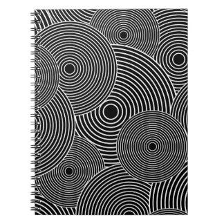 Modelo retro blanco y negro de los círculos libreta espiral