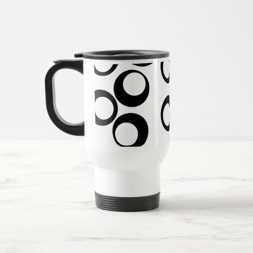 Modelo retro blanco y negro de los círculos taza de viaje