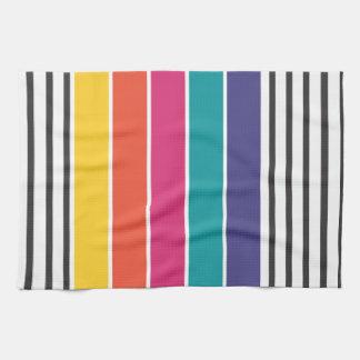 Modelo retro colorido del estallido toalla