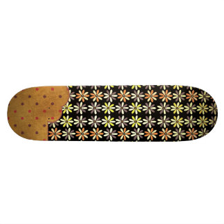 Modelo retro femenino lindo Skateboad del color Patín Personalizado