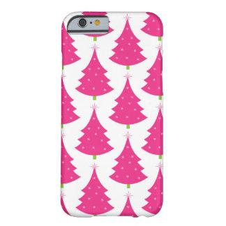 Modelo retro rosado bonito del árbol de navidad funda para iPhone 6 barely there