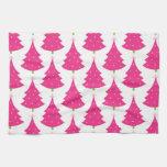 Modelo retro rosado bonito del árbol de navidad toalla