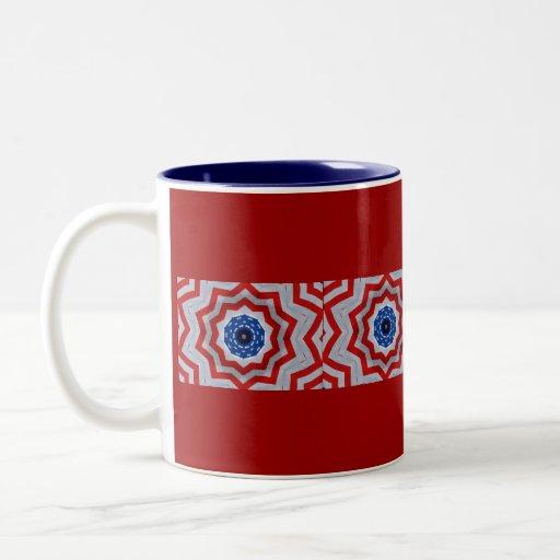 Modelo rojo, blanco y azul del caleidoscopio tazas