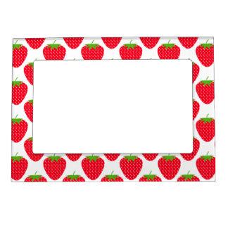 Modelo rojo de la fresa marcos magnéticos de fotos