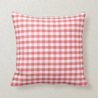Modelo rojo de la guinga almohadas