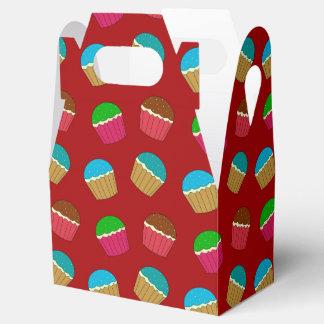 Modelo rojo de la magdalena caja para regalos