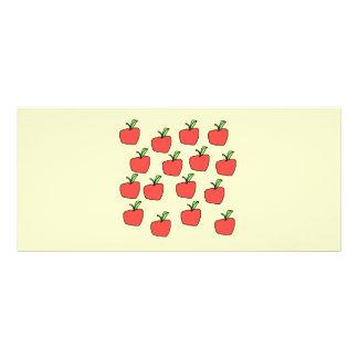Modelo rojo de la manzana en la crema tarjetas publicitarias a todo color