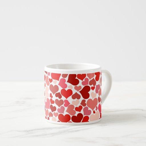 Modelo rojo de los corazones tazas espresso