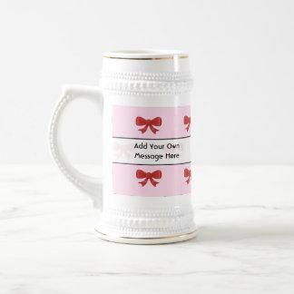 Modelo rojo del arco de la cinta en rosa. Texto de Jarra De Cerveza