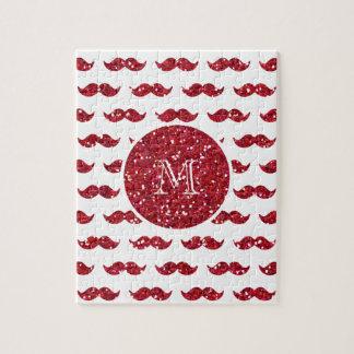 Modelo rojo del bigote del brillo su monograma puzzles