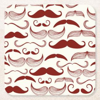 Modelo rojo del bigote posavasos personalizable cuadrado